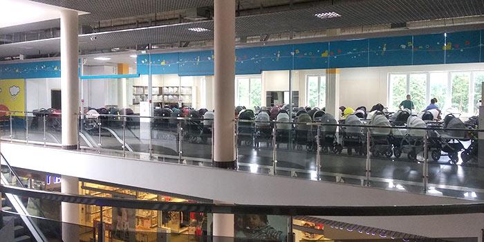 """магазин детских колясок в Бресте. Детские товары в магазине на Машерова, 16 Торговый центр """" Асстор Вест"""" рядом находится """"Дионис"""""""